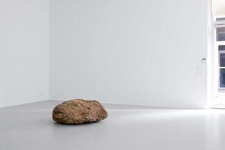 Alicja Kwade/ Silva Agostini, installation view