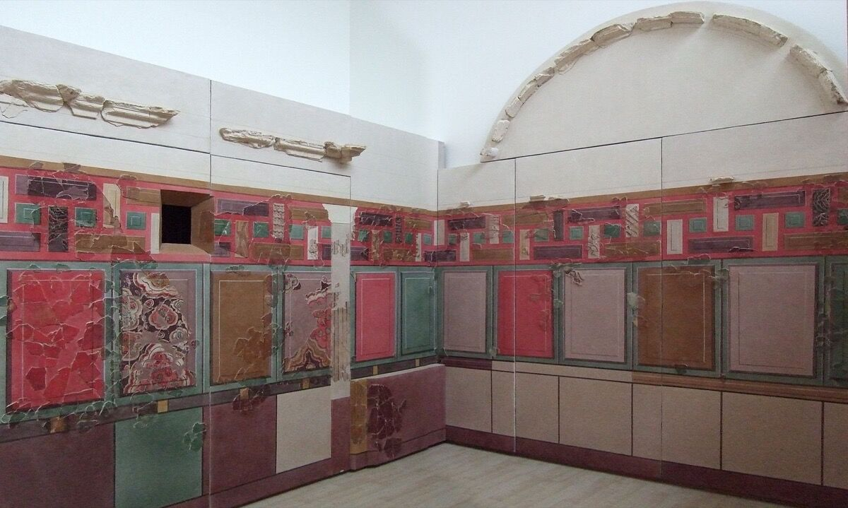 Reconstruction of a Roman cubiculum (bedroom) from Bilbilis, Spain, ca. 50 B.C.E. Photo by Juán José Ceamanos. Courtesy of Museo de Calatayud, Spain.